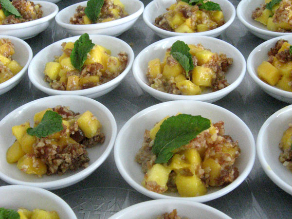 mango-raw-breakfast