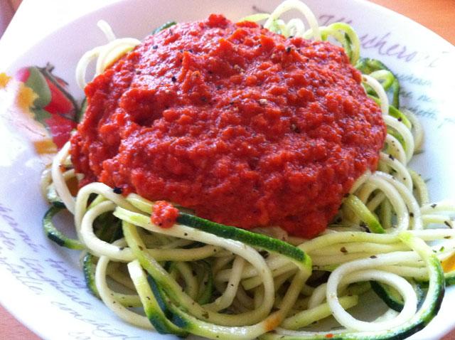 live-zucchini-marinara-raw-vegan-pasta