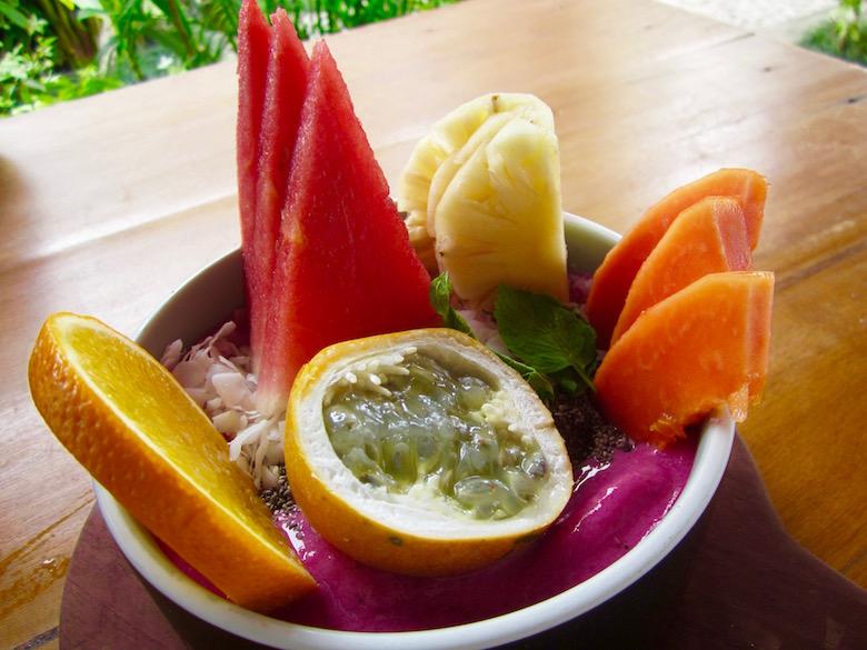 raw-smoothie-bowl