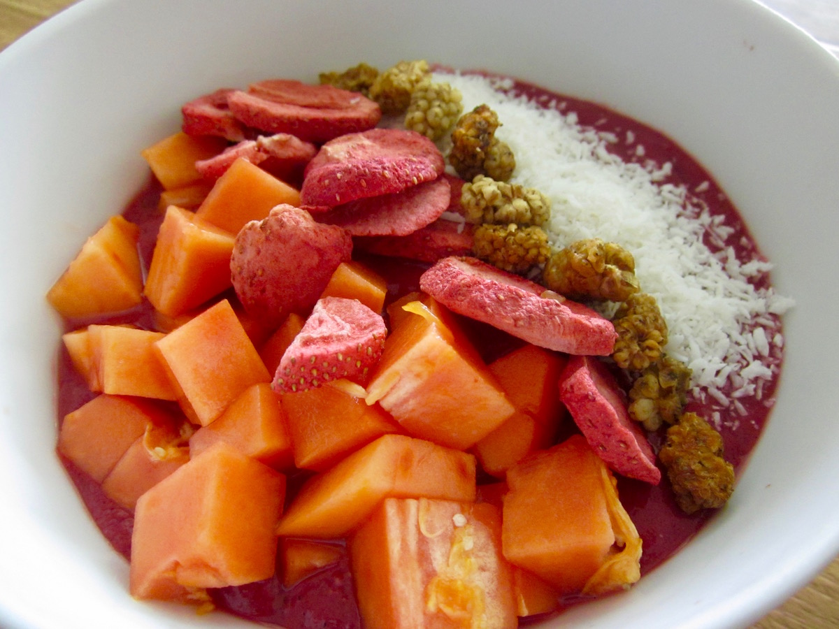 raw-vegan-smoothie-bowl