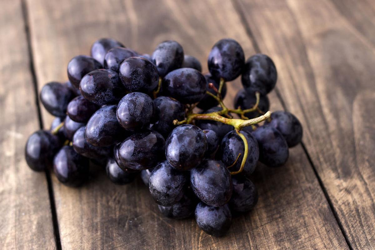 raw-food-detox-grapes