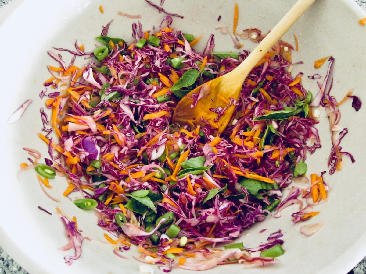 thai-red-cabbage-salad
