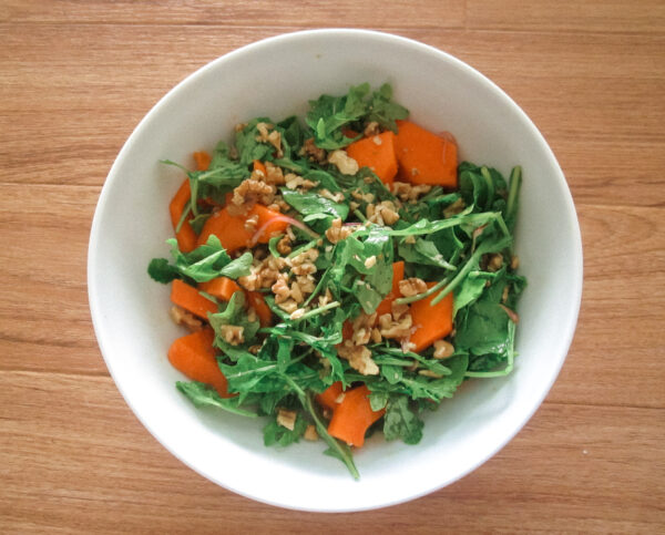 arugula-papaya-walnut-salad
